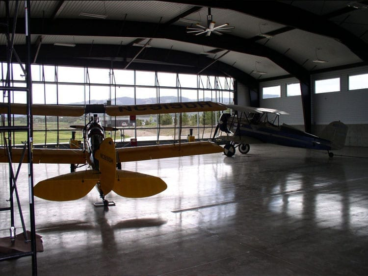 hangar buildings
