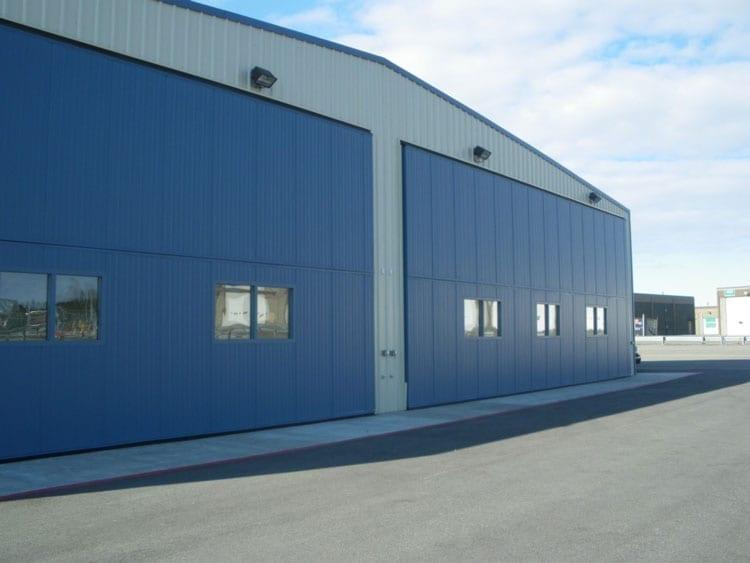 aircraft hangar building